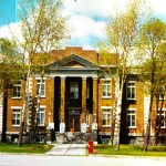 Le palais de justice d'Amos au milieu des années 1960. SHA – Coll. Société d'histoire d'Amos