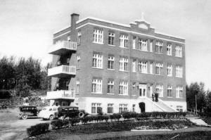 L'hôpital Ste-Thérèse d'Amos dans les années 1930. SHA - Fonds Studio Morasse / H. Dudemaine