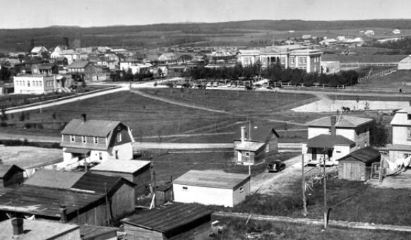 Le palais de justice d'Amos en 1927. SHA – Fonds Martin Trudel