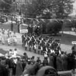 Parade des cantons sur la 2e Avenue lors du 25e anniversaire de l'Abitibi en 1938 à Amos.